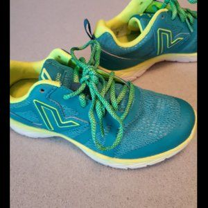 Vionic Tennis Shoes